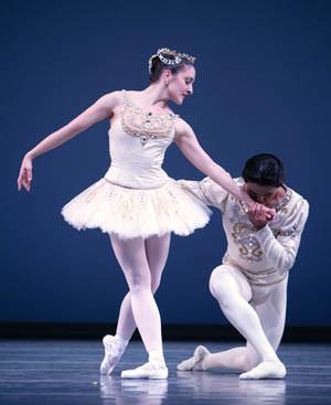 Carrie Imler and Batkhurel Bold in Diamonds Photo © Angela Sterling