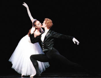 Louise Nadeau and Olivier Wevers in La Valse. Photo © Angela Sterling