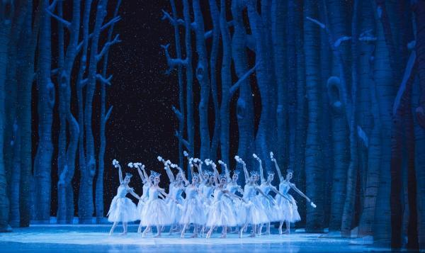 Snow scene. George Balanchine's The Nutcracker®, choreography by George Balanchine © The George Balanchine Trust. Photo © Angela Sterling.