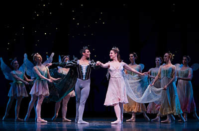 Carrie Imler, Jonathan Porretta, and PNB Company dancers in A Midsummer Night's Dream. Photo © Angela Sterling